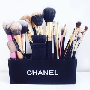 Chanel makeup brush 3 compartment holder